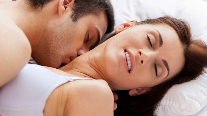 लड़की को सेक्स करते समय कैसे खुश करें